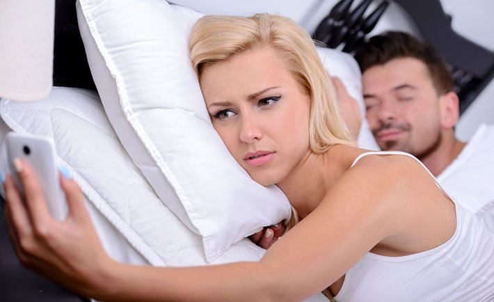 New App Apparently Helps You Cheat On Your Partner Easier who texted boyfriend