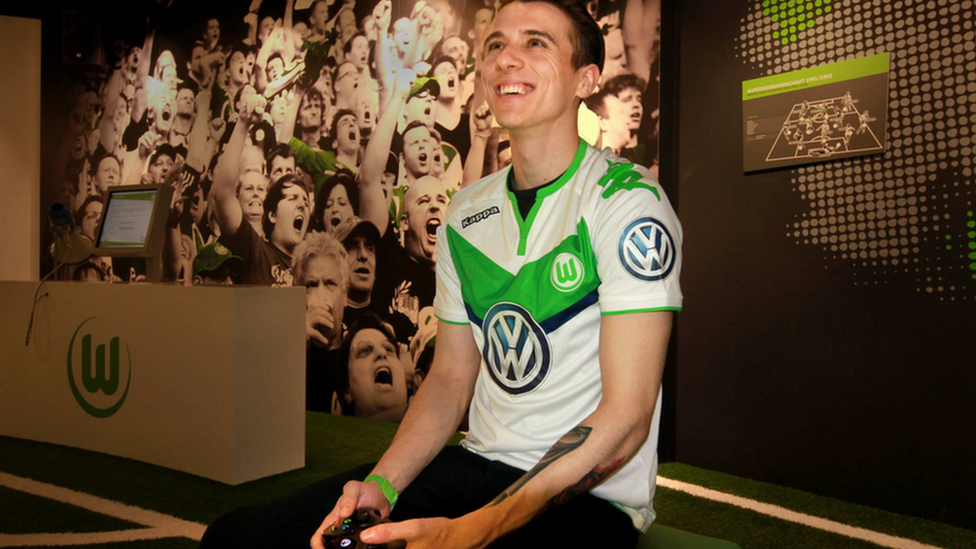 German Club Wolfsburg Sign British Gamer As Pro FIFA Player 88085363 davefacebook