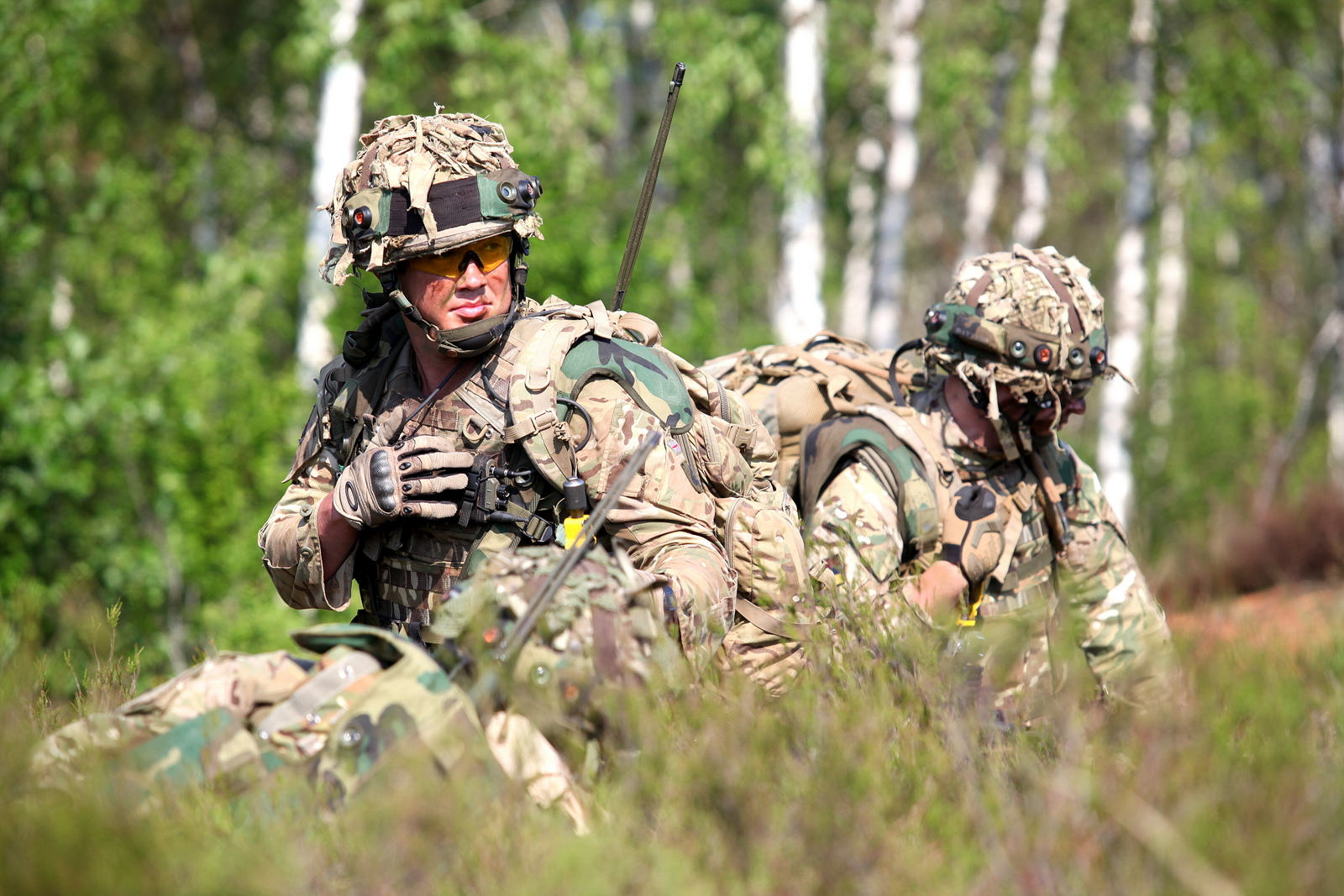 SAS Soldiers Injured In Britains Secret War With ISIS British soldiers relay information during a simulated attack as part of exercise Saber Strike 2013 in Adazi Latvia June 6 2013 130606 O ZZ999 006