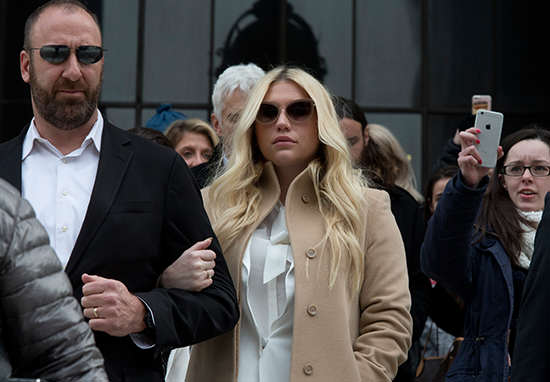 Kesha Cant Break Contract With Producer She Alleges Sexually Assaulted Her Kesha 2 1