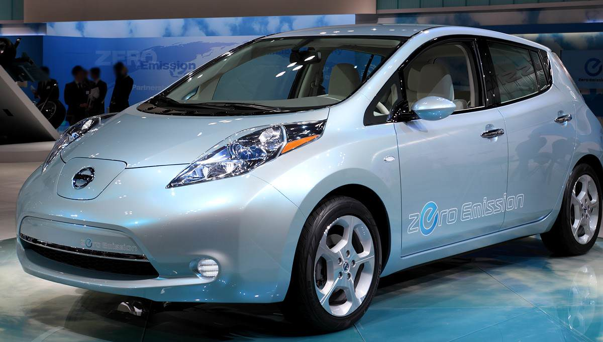 Hackers Control Car From Other Side Of The World Nissan Leaf 001 1200x680