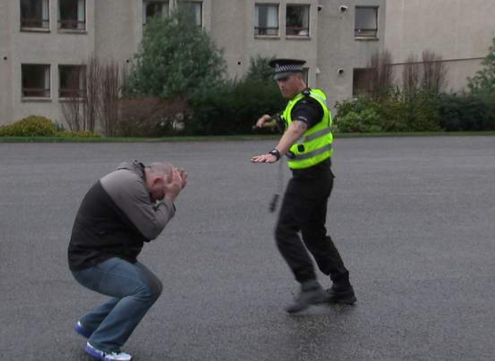 U.S. Police React To How Scottish Police Deal With Criminals Without Shooting Them Screen Shot 2016 02 02 at 09.56.00