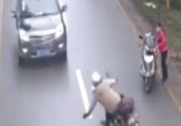 Motorcyclist Survives Stomach Churning Head On Collision With Van bike1 1