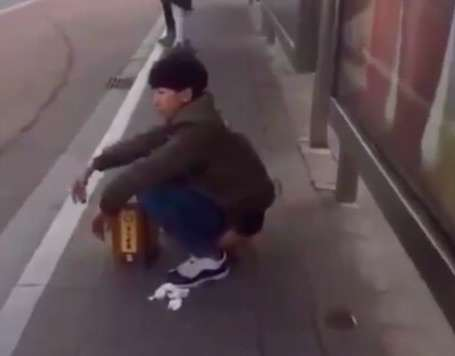 Man Does Something Unbelievably Grim At Bus Stop In China busstop
