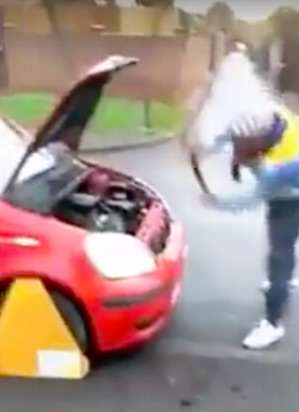 This Guy Has An Interesting Technique To Avoid Paying The DVLA Road Tax car2 1