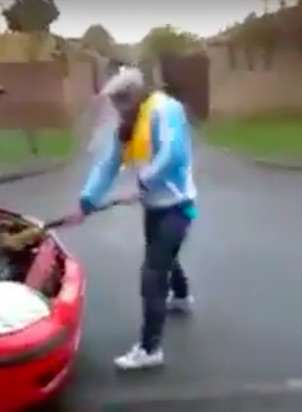 This Guy Has An Interesting Technique To Avoid Paying The DVLA Road Tax car7