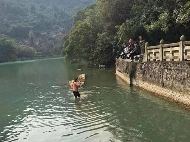 Can You Guess Why This Woman Jumped Into A Freezing Lake? lake4