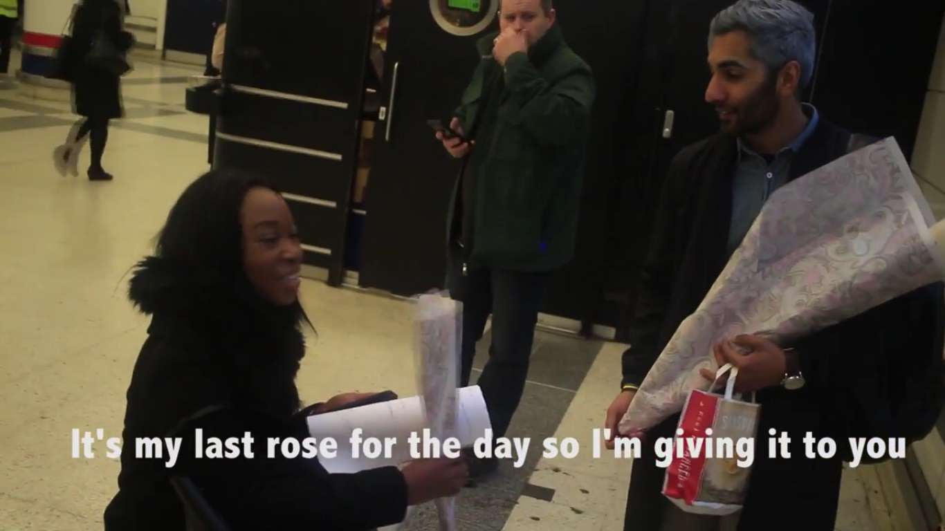 This Guys Romantic Gesture Brightened Up Strangers Valentines Days v day roses 3