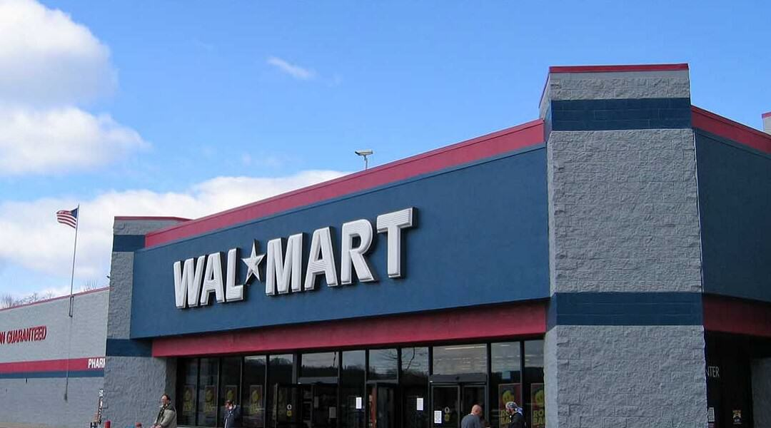 Guy Pees Himself After Attempt To Steal Video Games Goes South walmart store