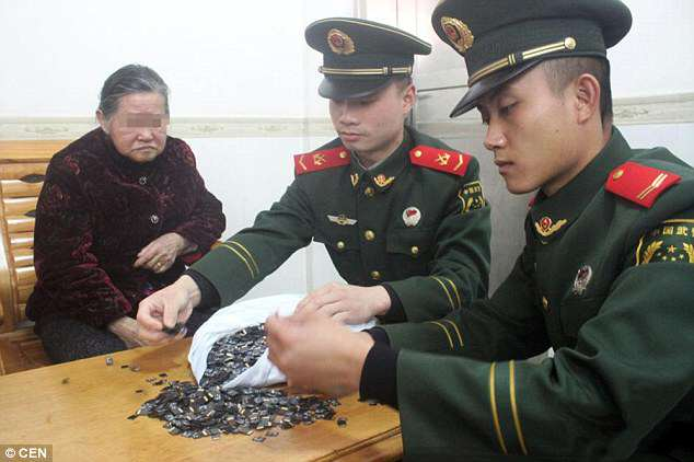 Man Caught Smuggling A Crap Load Of Memory Cards Into China 31B3B9F800000578 3469636 image a 17 1456761896136 1