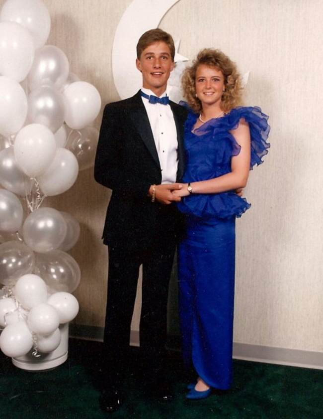 These Awkward Celebrity Prom Photos Are Amazing 932605 650 1459255594 mccnoha