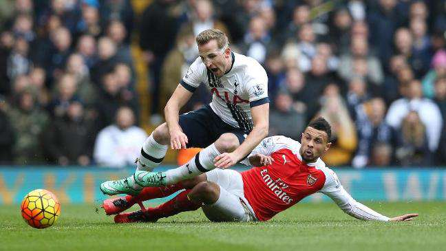 UNILAD Footballs King To C*nt Ometer Of The Week Coquelin red card