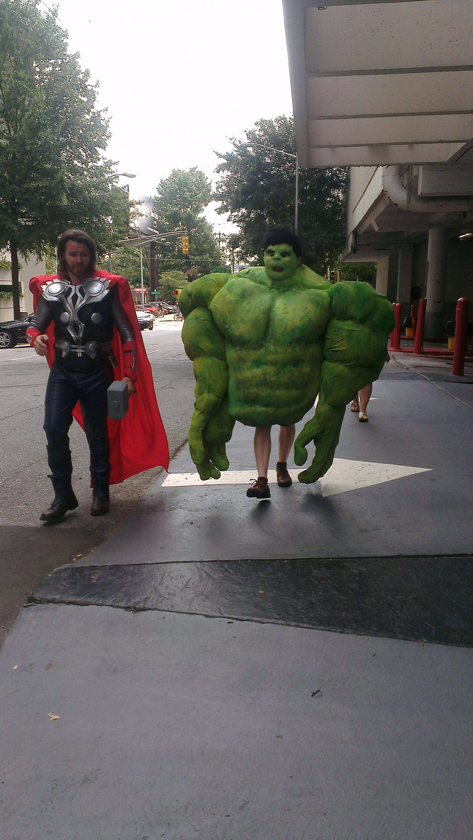 These Sh*tty Cosplay Photos May Be The Funniest Thing Weve Seen Today ESPOizw