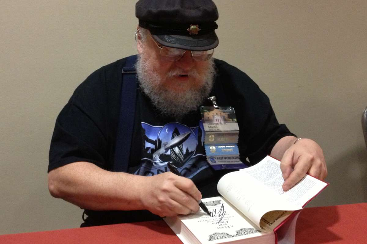 George Martins Death Caused A Lot Of Game Of Thrones Fans To Panic George R. R. Martin signing at LoneStarCon3 1200x800