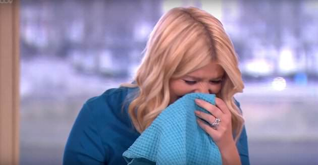 Holly Willoughby Loses It Again At Gino DAcampo Sexual Innuendo %name