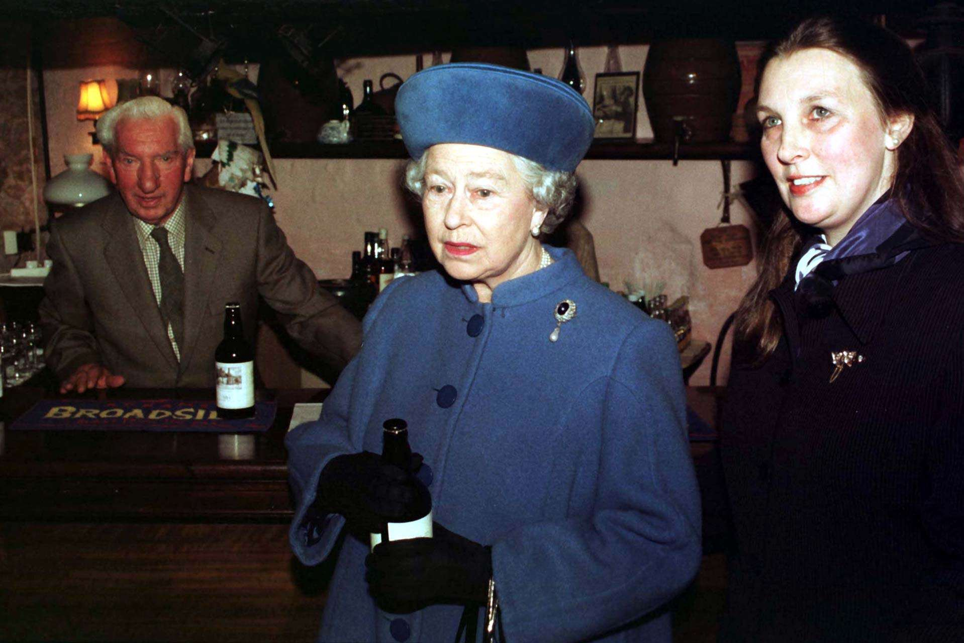 Pubs Set To Open Later For Queens Birthday Weekend P*ss Up PA 1085618