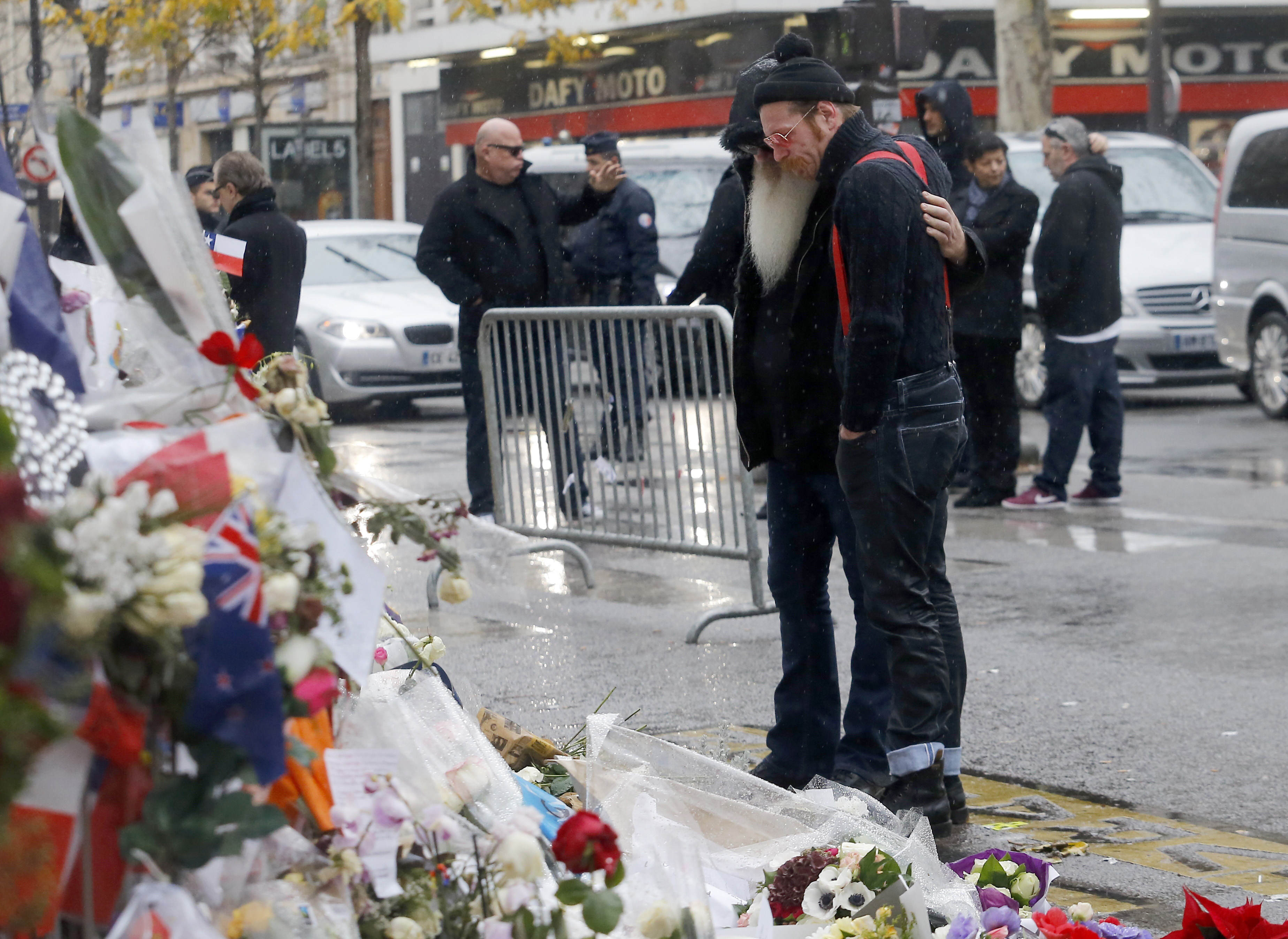 Eagles Of Death Metal Claim Bataclan Security Guards Knew About Attack PA 24980402