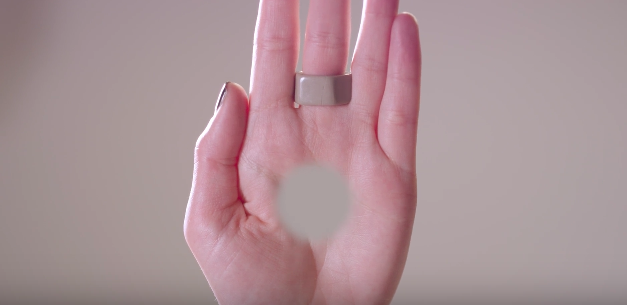 This Freaky Optical Illusion Video Gives You A Hole In Your Hand Screen Shot 2016 03 03 at 12.34.48