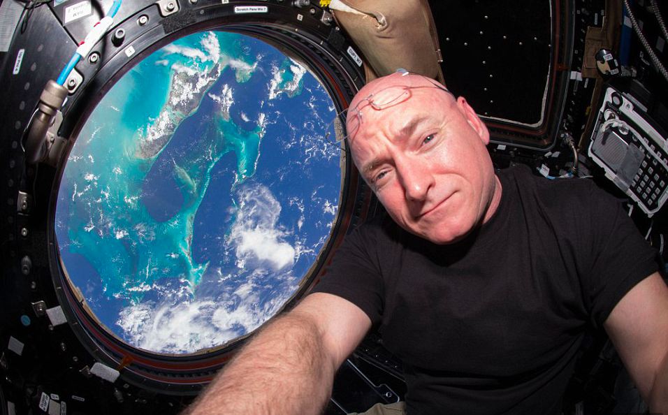 Astronaut Reveals What Its Like To Come Back From Space Screen Shot 2016 03 07 at 13.57.29