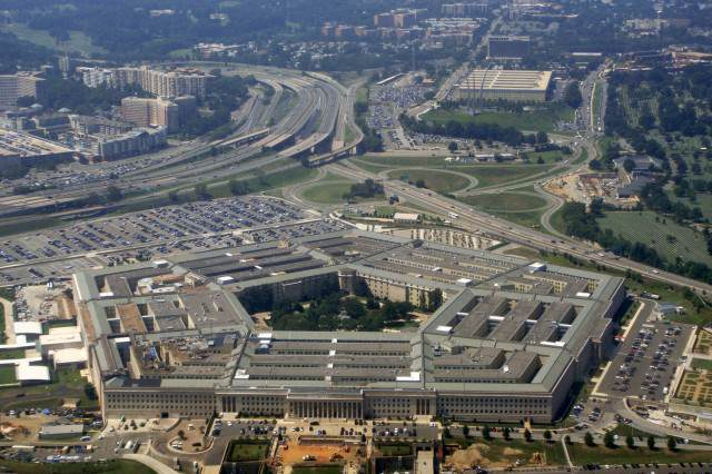 The CIA Have Accidentally Been Fighting The Pentagon In Syria The Pentagon DCA 08 2010 9854 640x426
