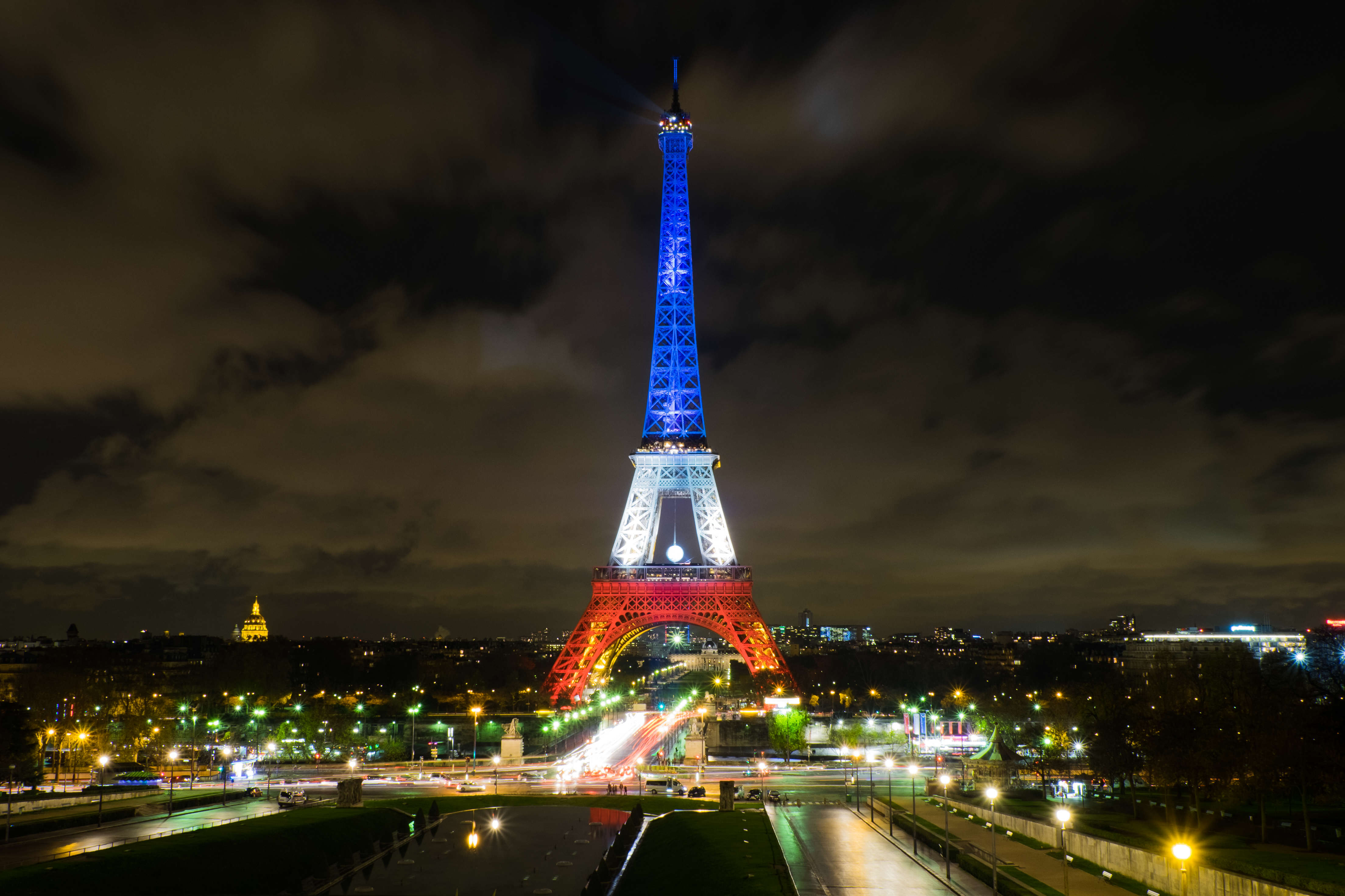 New Details Reveal Paris Attackers Planned To Act Again Tour Eiffel Nov 2015 paysage