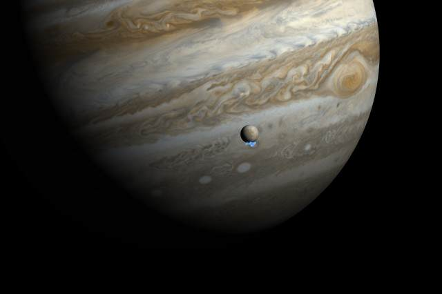 Multiple Astronomers Spot Mystery Explosion On Jupiter Water vapour plumes on Jupiters moon Europa artists impression 640x426