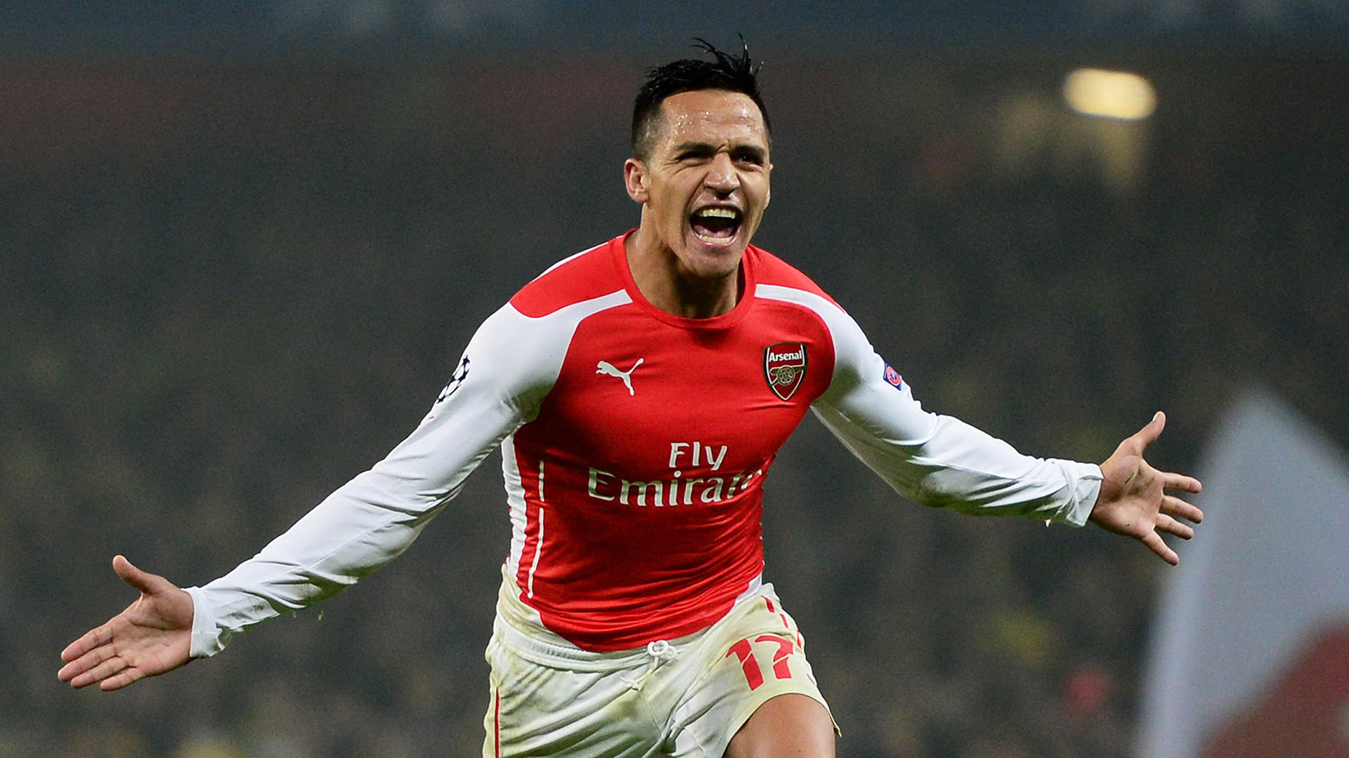 Alexis Gets Over Manchester United Defeat In A Weird Way alexis5