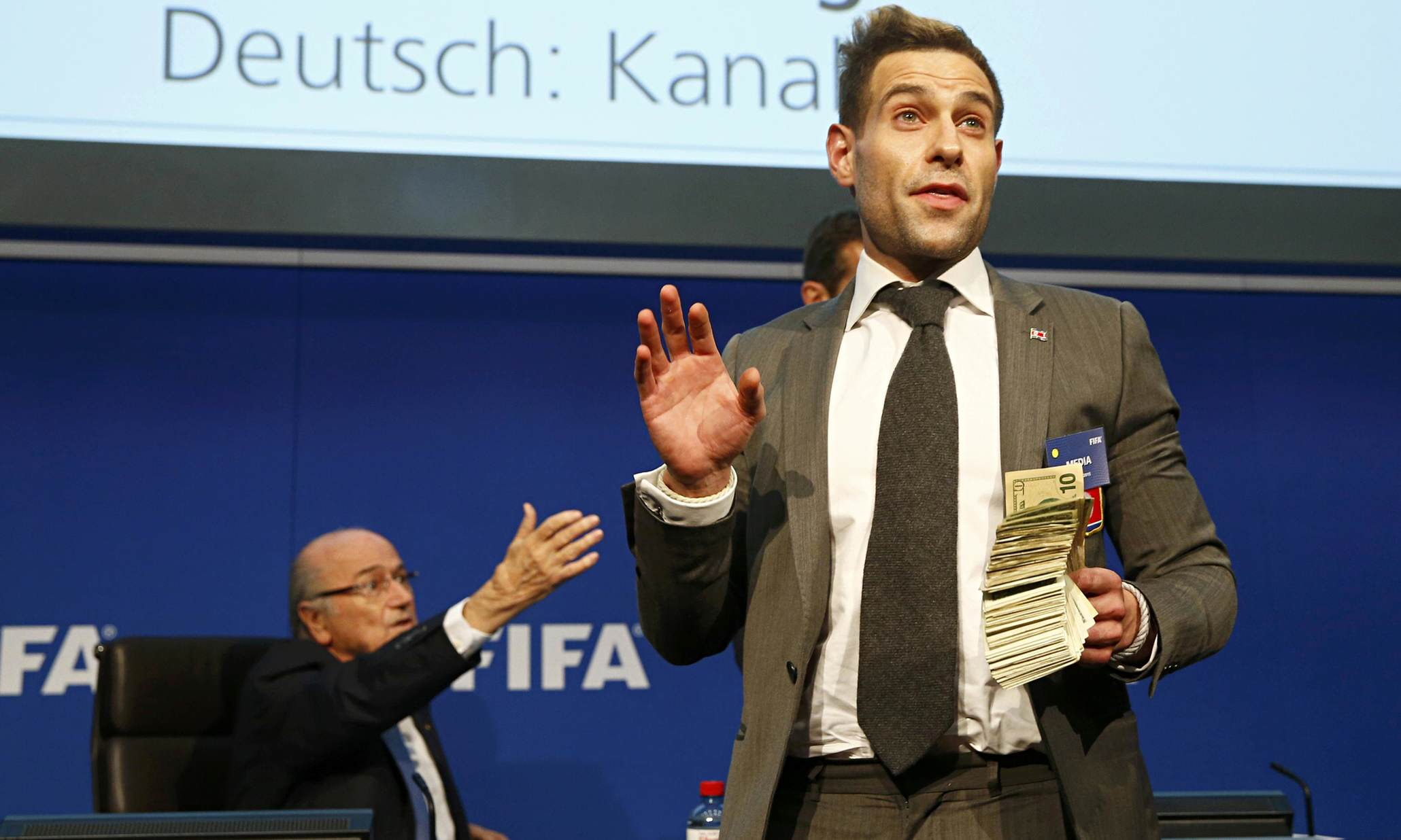 Lee Nelson Crashes Stage, Pulls Hilarious Stunt In VW Dieselgate Protest brodkin55