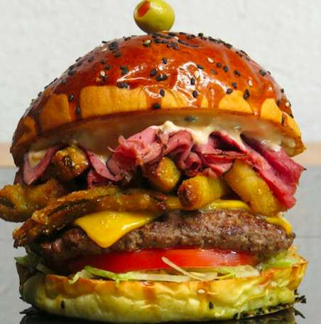 This Is How People Eat Their Burgers Around The World burger22