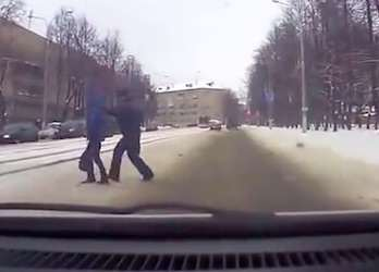 Dramatic Clip Shows Hero Cop Save Kid From Oncoming Car crash5