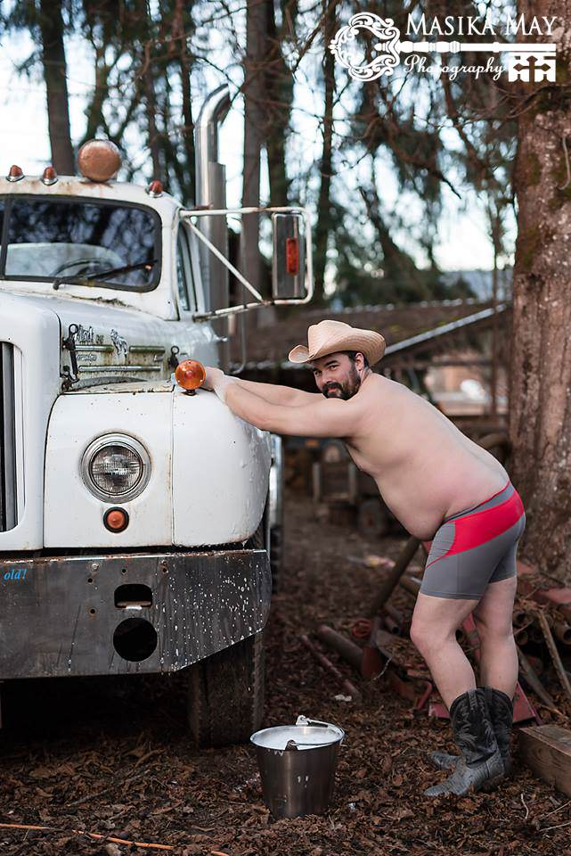 These Dudeoir Photos Brilliantly Challenge Gender Stereotypes dude4
