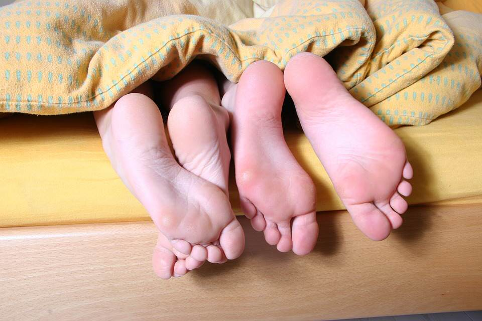 Heres How Long Men and Women Think Sex Should Last feet