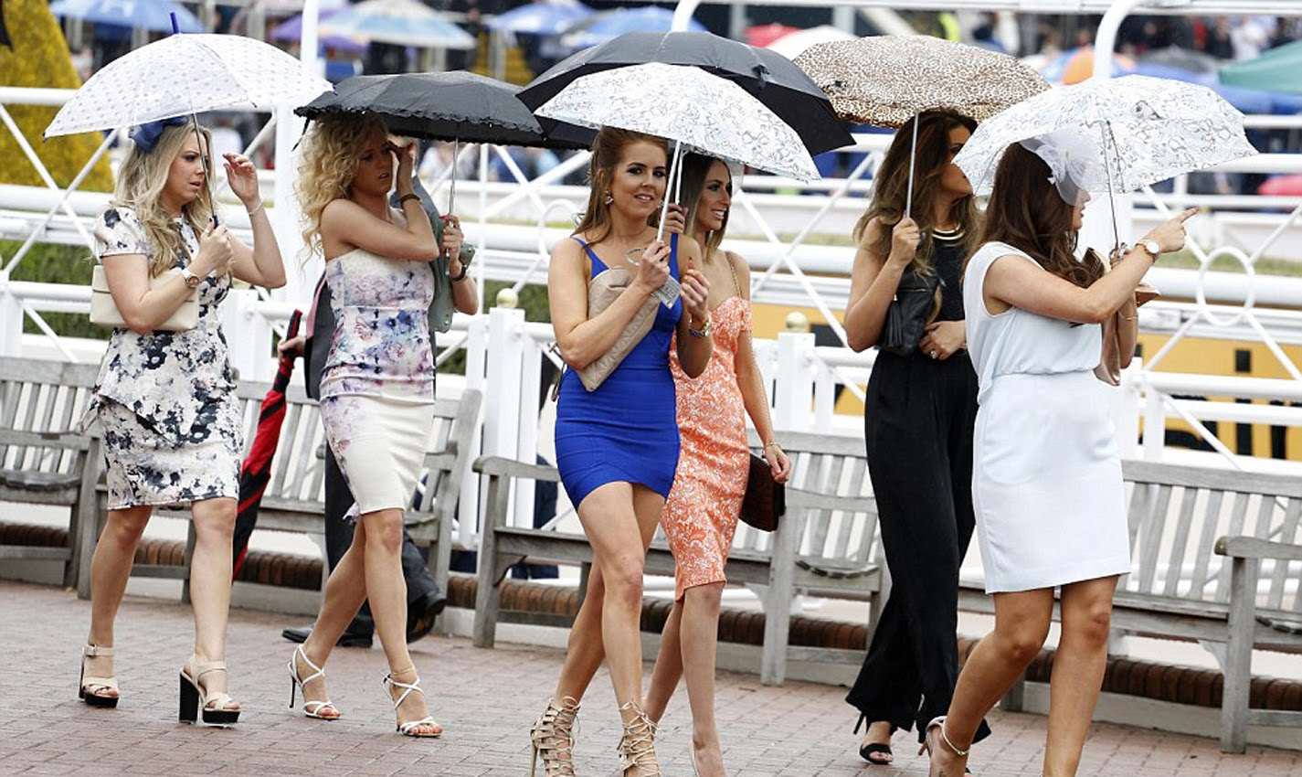 Video Shows Brutal Five Woman Stiletto Brawl At The Races ladiesday