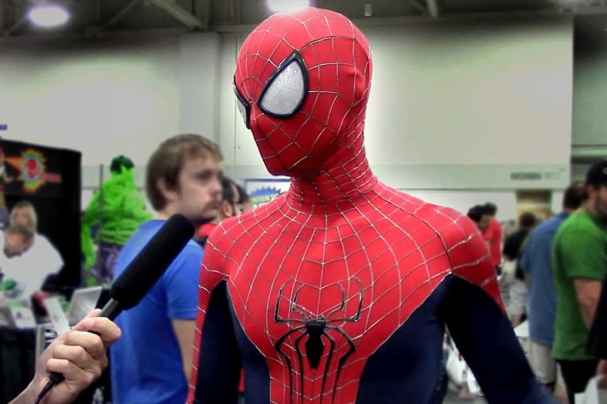 These Sh*tty Cosplay Photos May Be The Funniest Thing Weve Seen Today maxresdefault 23 1200x800