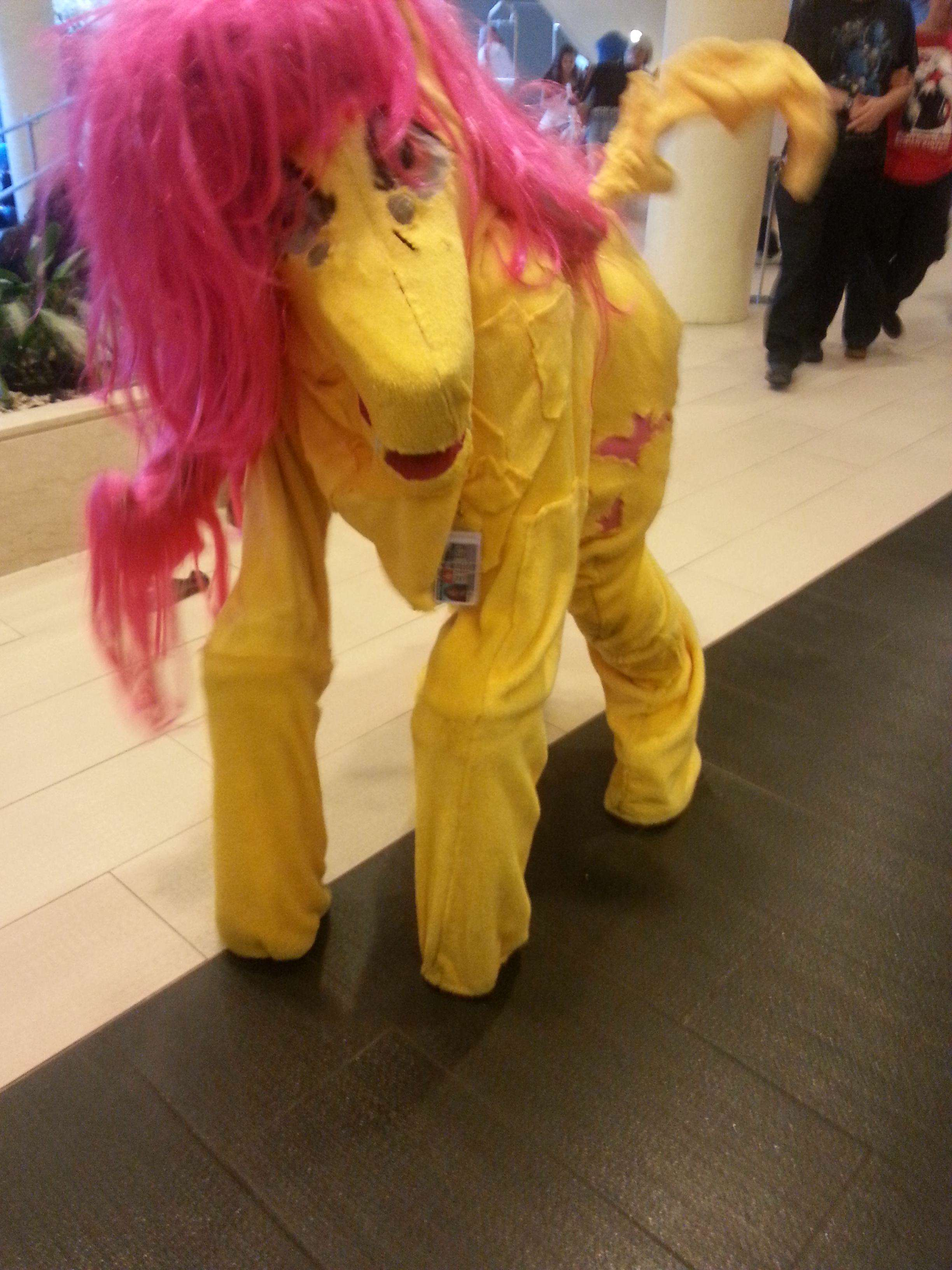 These Sh*tty Cosplay Photos May Be The Funniest Thing Weve Seen Today pvOkHt4