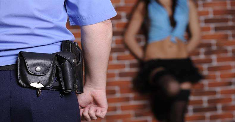 Prostitute Forced To Call Police After Clients Dog Joins In setter33