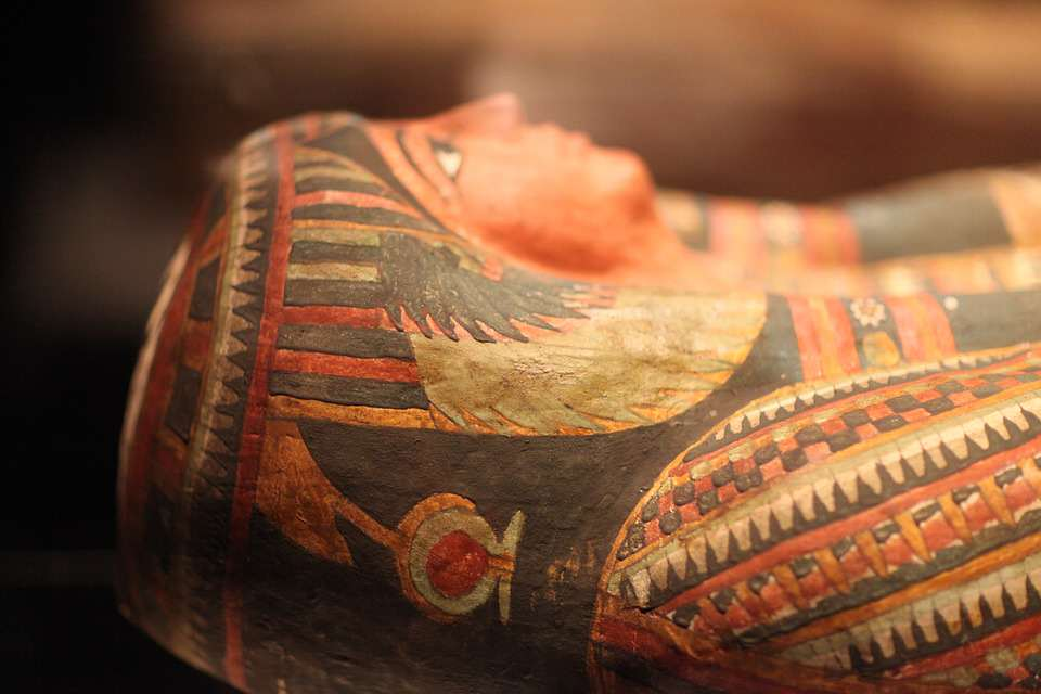 Archaeologists Make Biggest Discovery Of The 21st Century In Tutankhamuns Tomb tut5