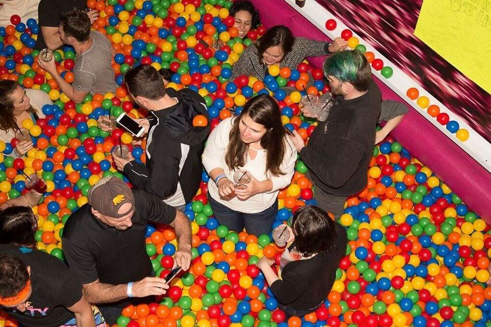 There's Now A Ball Pit Bar For Adults Who Want To Be A Kid Again unspecified 4