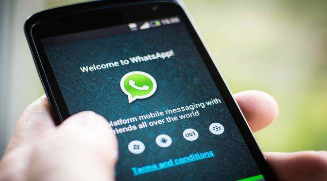 U.S. Government Are Now Trying To Get WhatsApp To Let Them Eavesdrop whatsapp apple 1