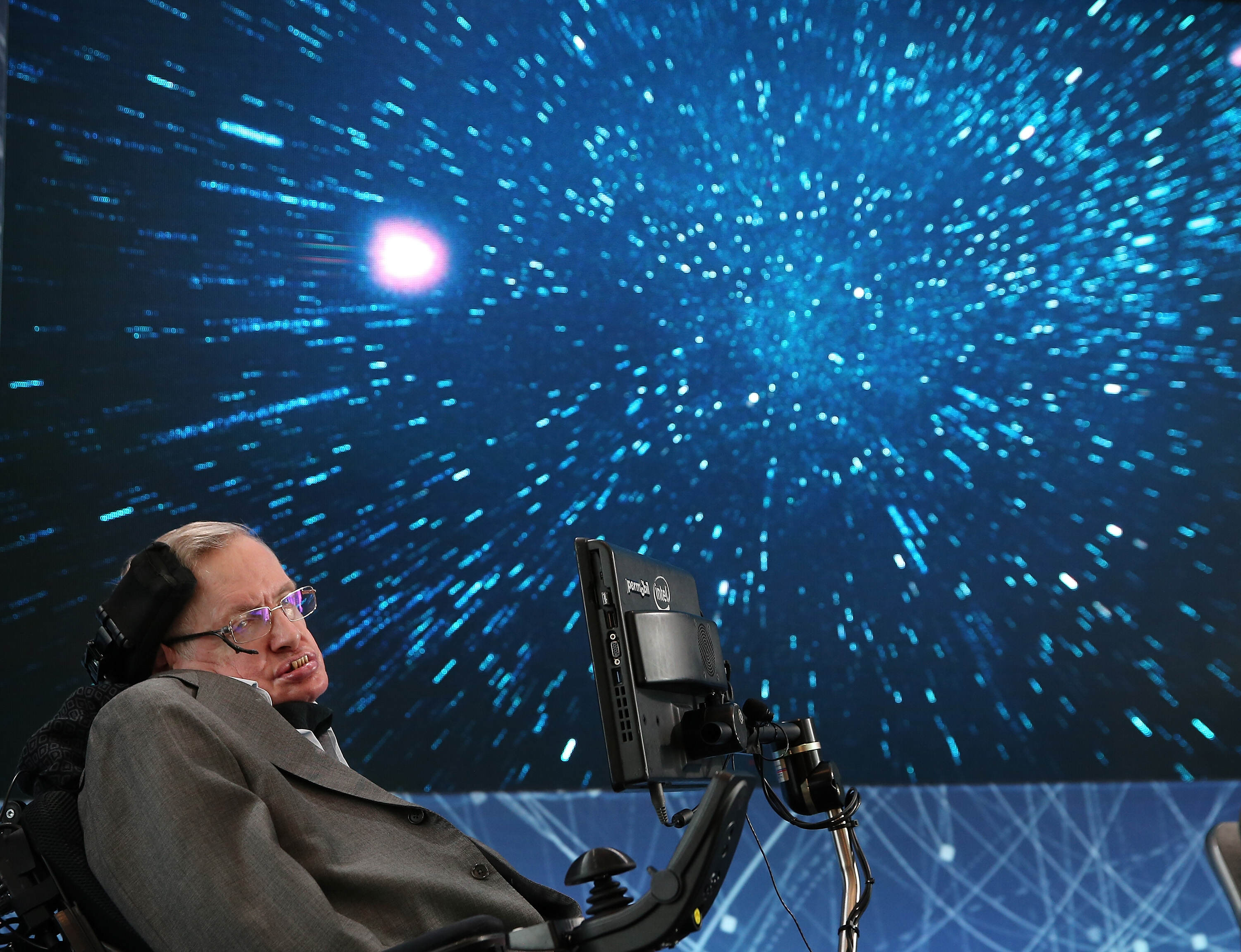 Stephen Hawking And Mark Zuckerberg Team Up To Find Aliens GettyImages 520676582