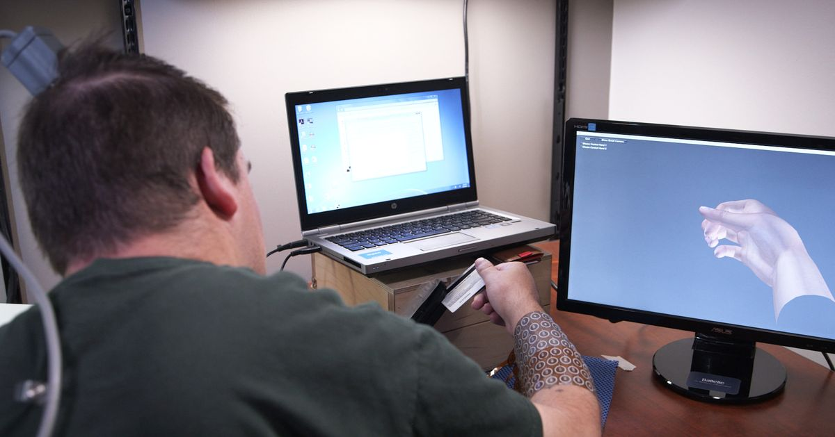 Brain Implant Lets Paralyzed Man Move Fingers And Play Videogame Ian Creditcard