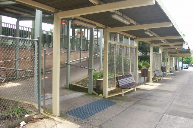 Macquarie_fields_railway_station_ramp_entrance