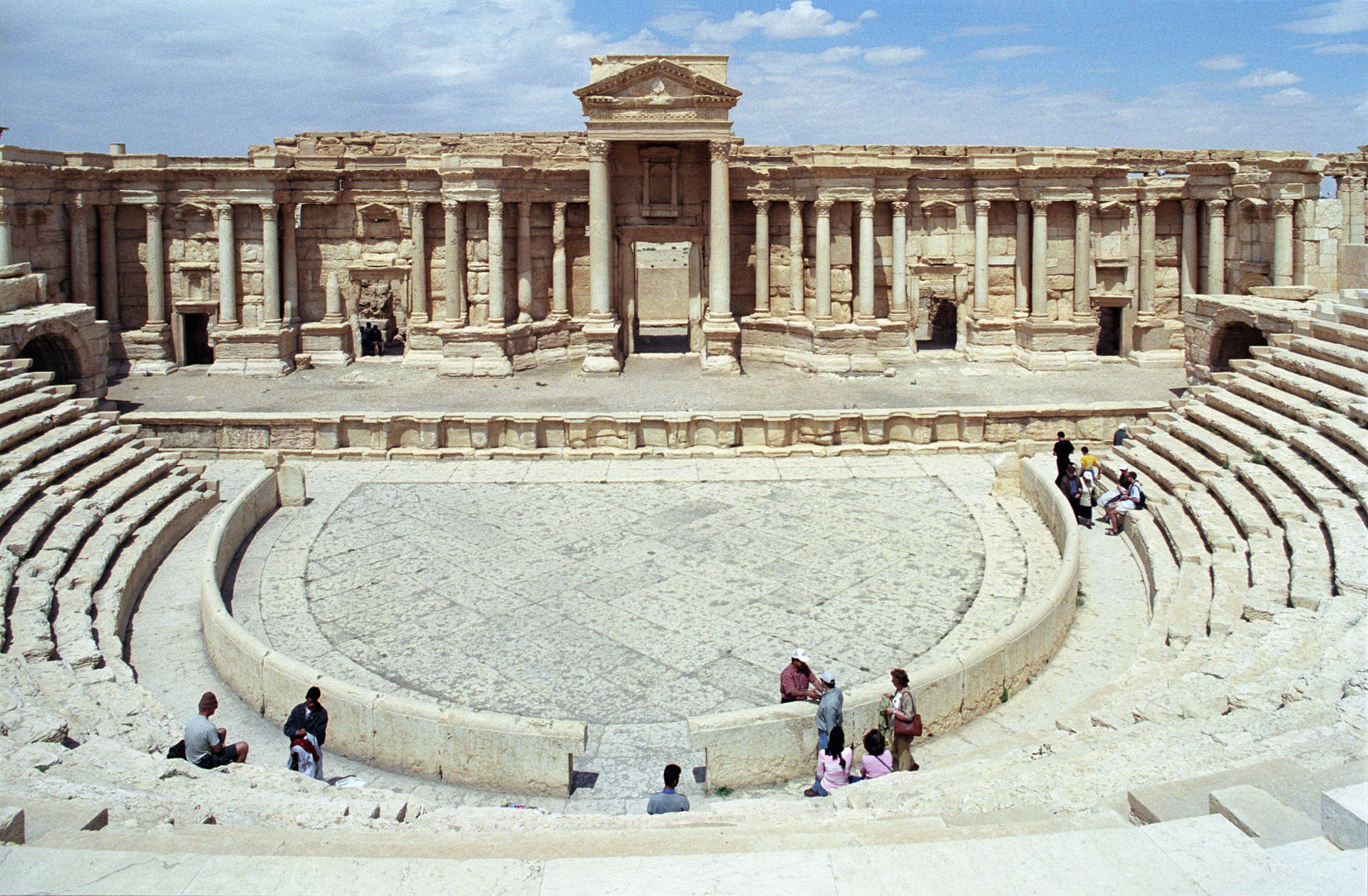 Shocking Photos Show How An Ancient City Was Destroyed By ISIS Palmyra theater02js