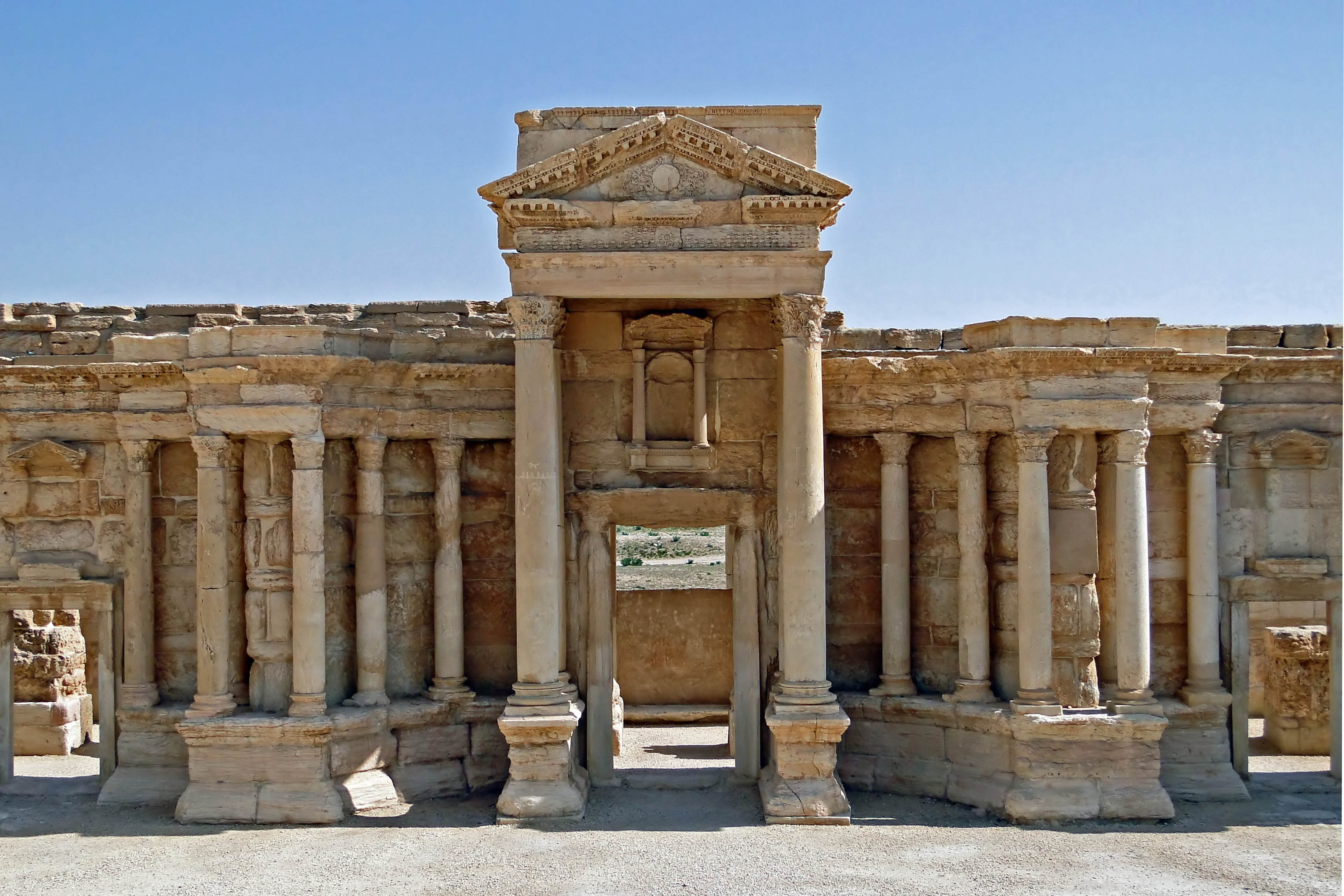 Shocking Photos Show How An Ancient City Was Destroyed By ISIS Roman theatre of Palmyra 05