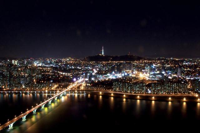 These North Korean Defectors Actually Regret Leaving Seoul at night from 63 building 640x426