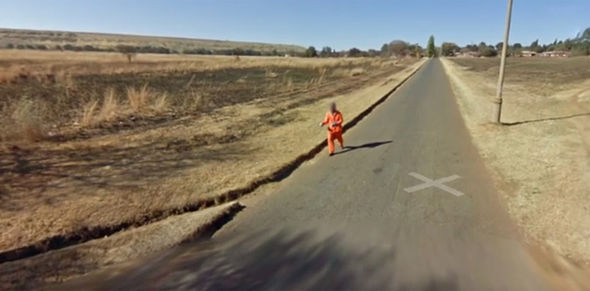 These Are The Weirdest, Most Shocking Things On Google Earth This appears to show a prisoner on the run 425711