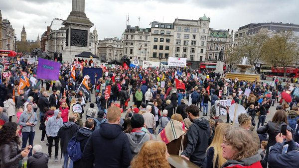 Theres A Huge Protest Going On In London Right Now Twitter