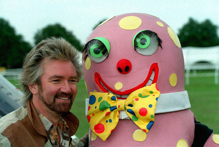 Americans Have Just Discovered Mr Blobby And They Really Cant Cope blobby4