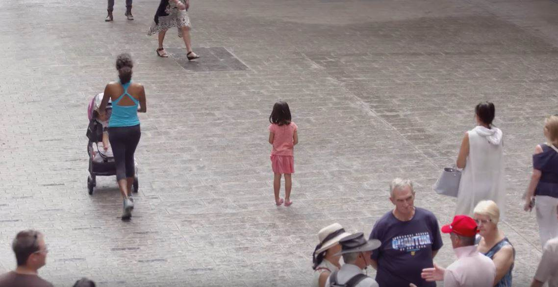 Thousands Of People Ignore Lost Kids In Eye Opening Social Experiment child2