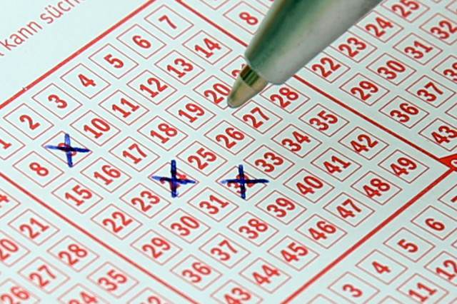 Someone In UK Just Won A Sh*t Ton Of Cash On EuroMillions lotto 484782 960 720 640x426